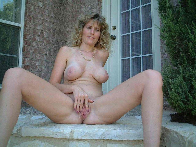 Milfs and daughters naked yes