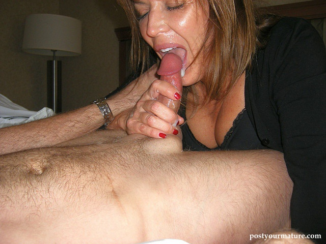 Amatuer Old tube slut