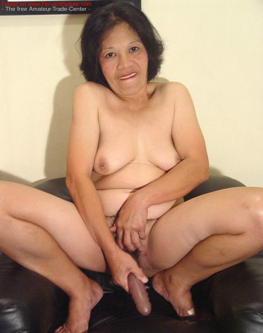 Does China old women porn