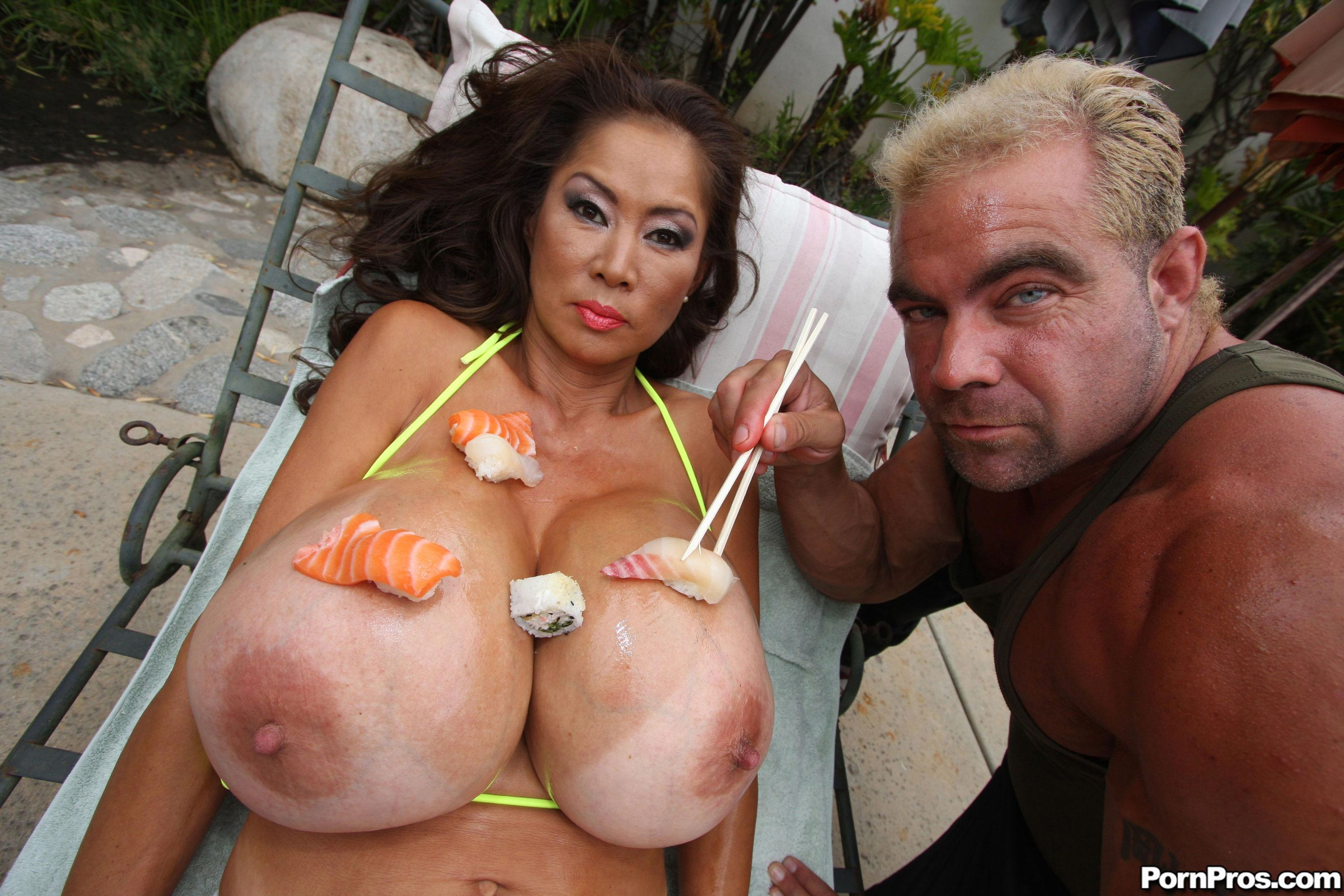 Секс с японками с большими грудями 10 фотография