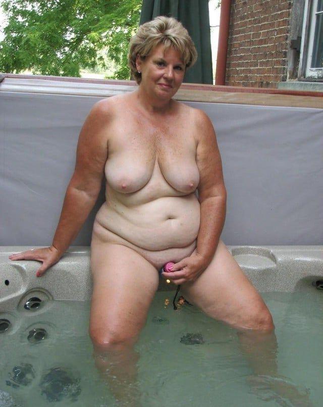 Older nude bbw