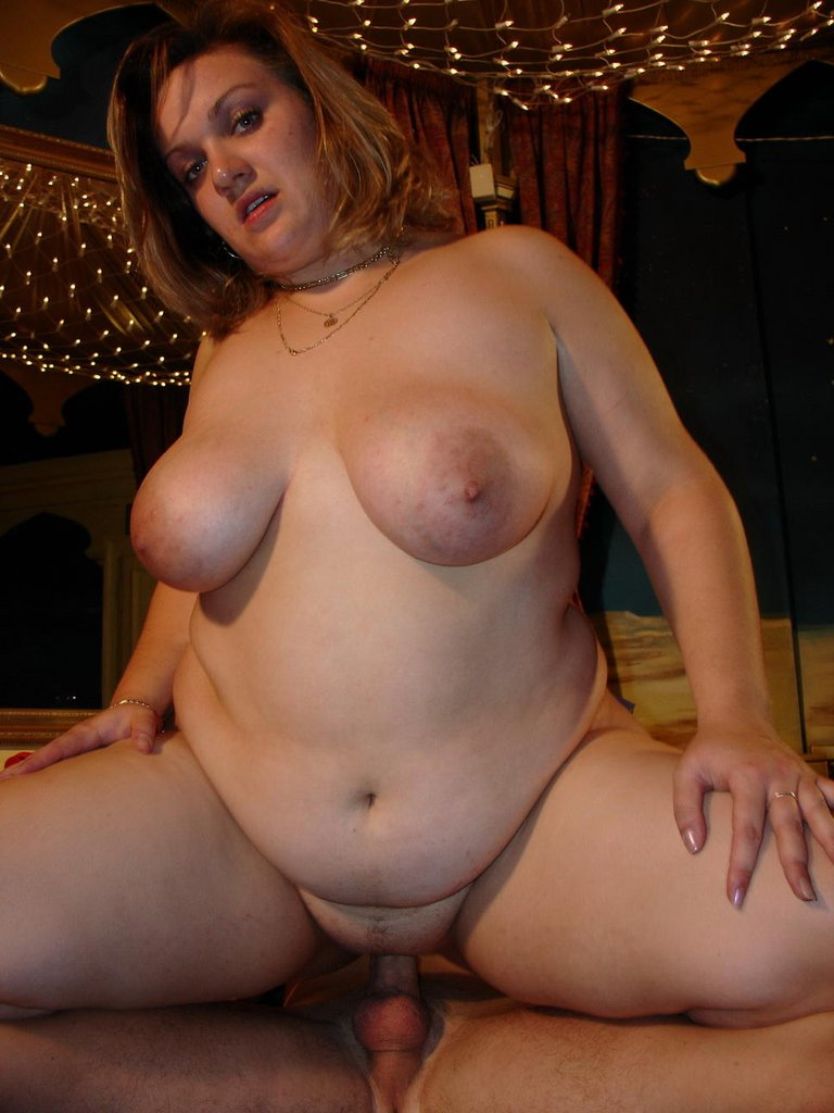 Sexy mom gives handjob