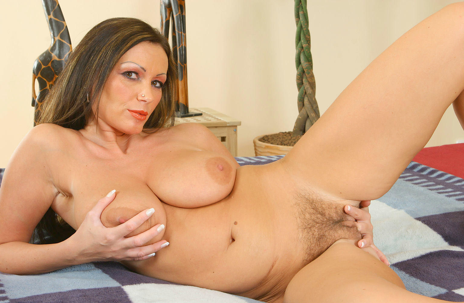 Big tits and bush