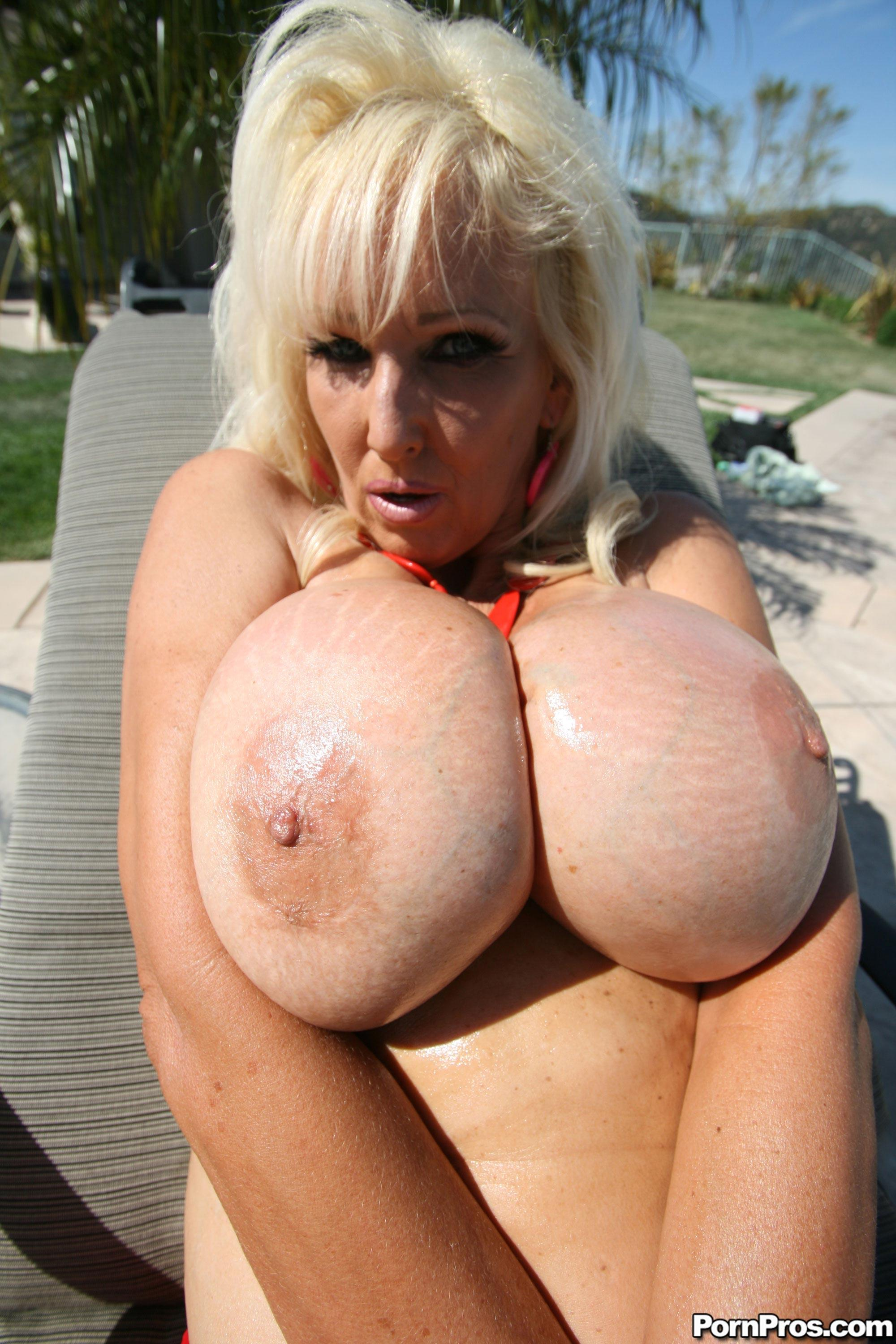 Big tit amature mature got fucking ass
