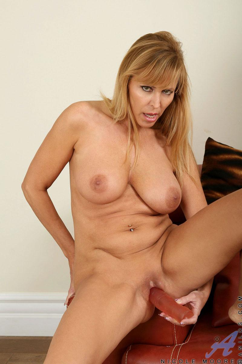 big tit porn star mature mature mom milf blonde dick tits heels moore