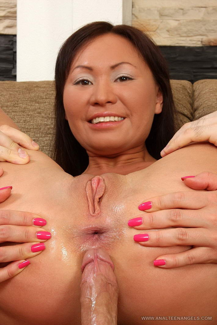 Long mature lesbian porn vid
