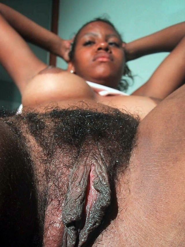 Mature ebony mom nude