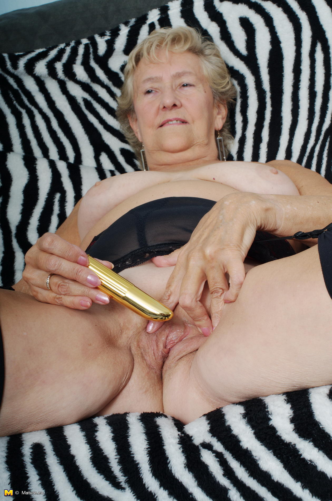 04 granny needs a fuck another bbc too 4