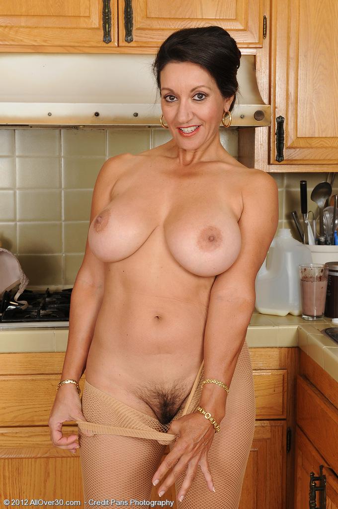 naked ebony virgin pussy