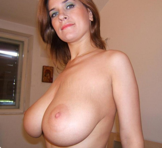 Big Natural Tits Curvy Milf