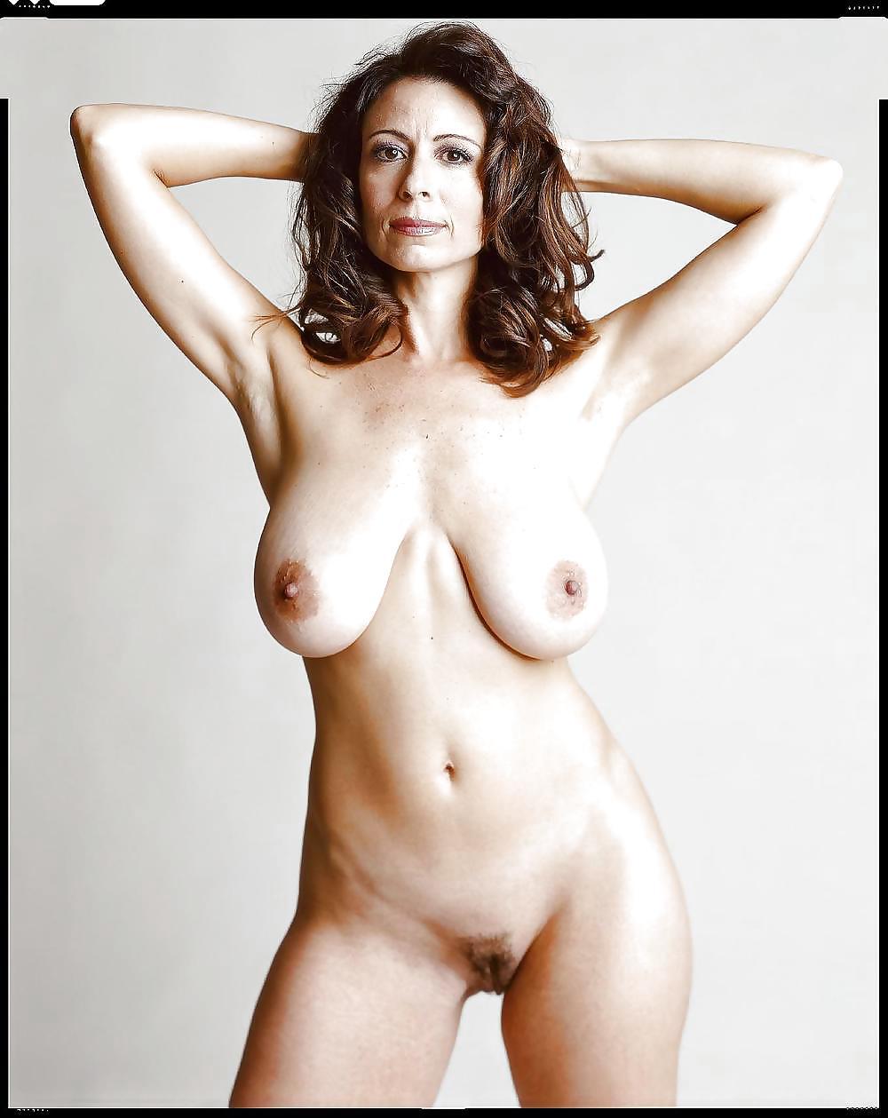 Фото порно актрисы в возрасте 18 фотография