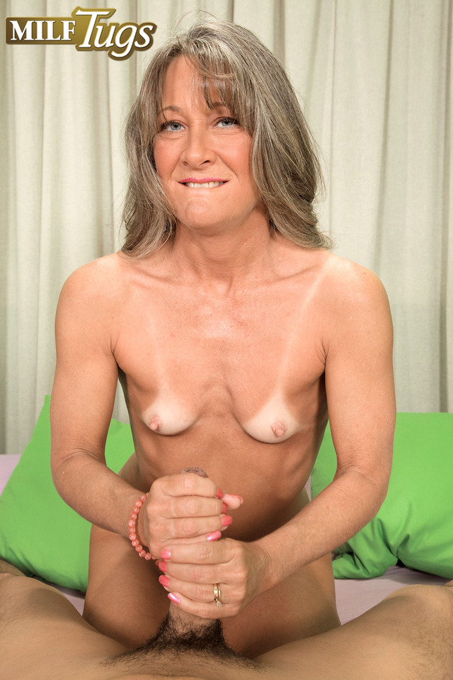 busty mom sex gallery media mom gallery busty