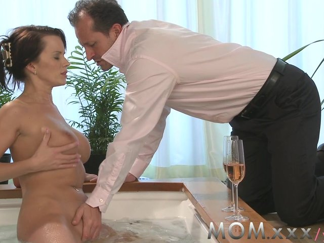 busty moms sex mom watch milf beautiful climax brought