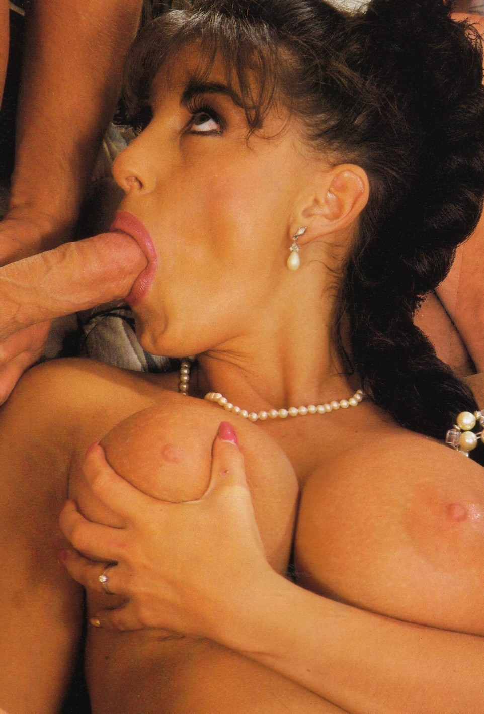 Ретро порно сара янг графиня принцесса королева 19 фотография