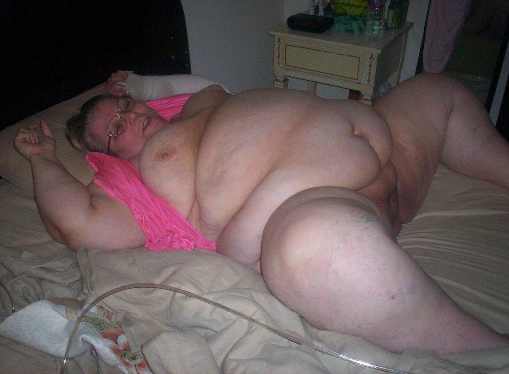 Cute chubby mature woman