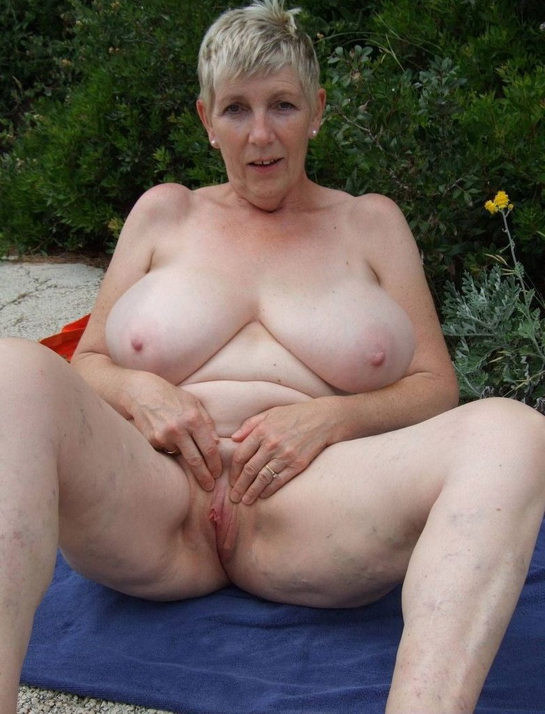 Please the Nude mature sexy moms me!