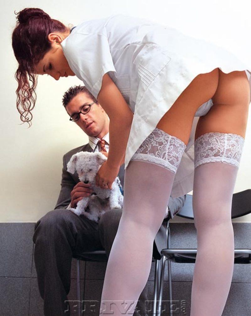 Секс медсестры в черным халате 6 фотография