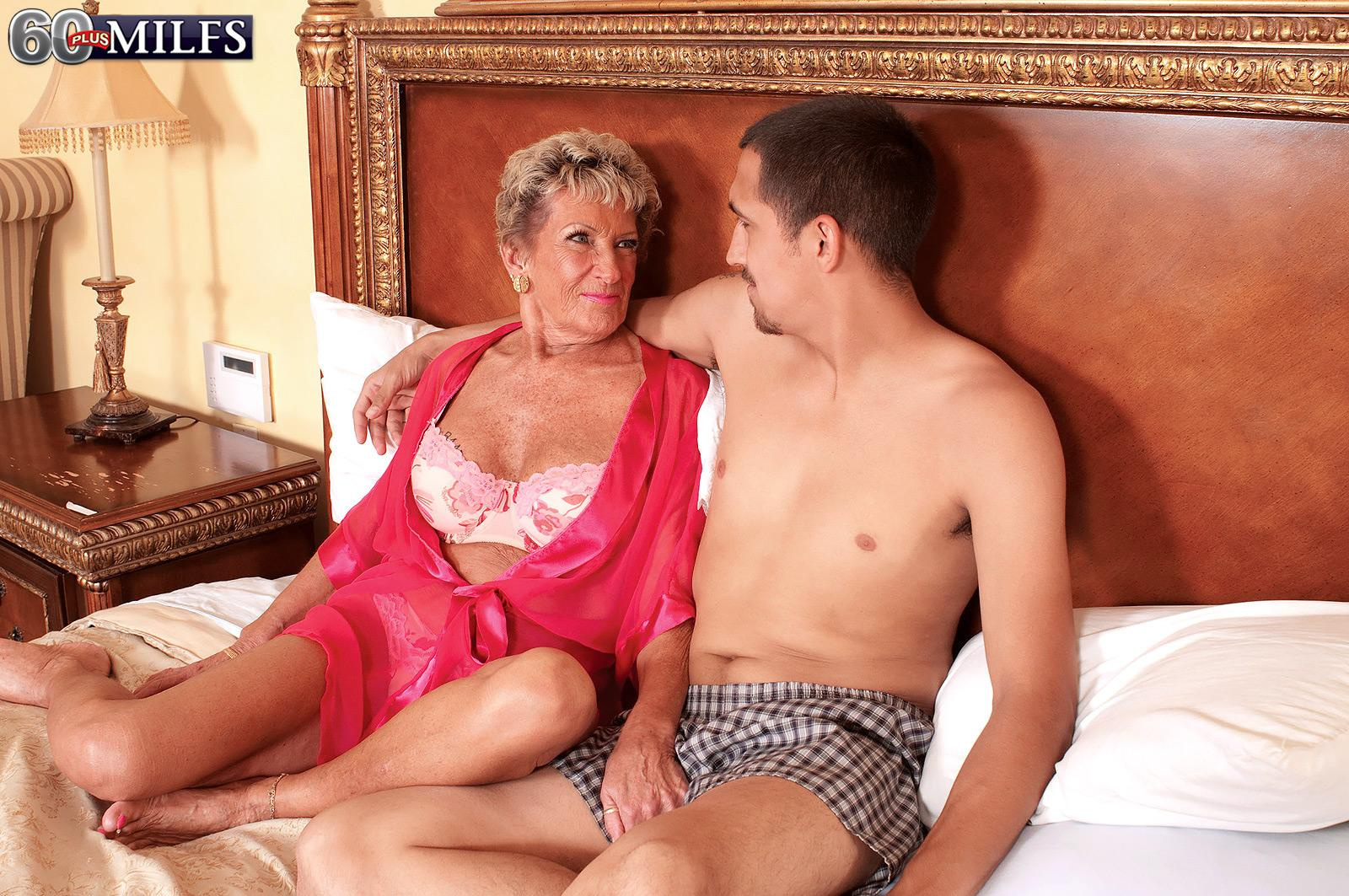 Facial Mature Porn Milf Over Milfs Plus Ann Facial Birthday Sandra ...: www.older-mature.net/facial-mature-porn/246969.html