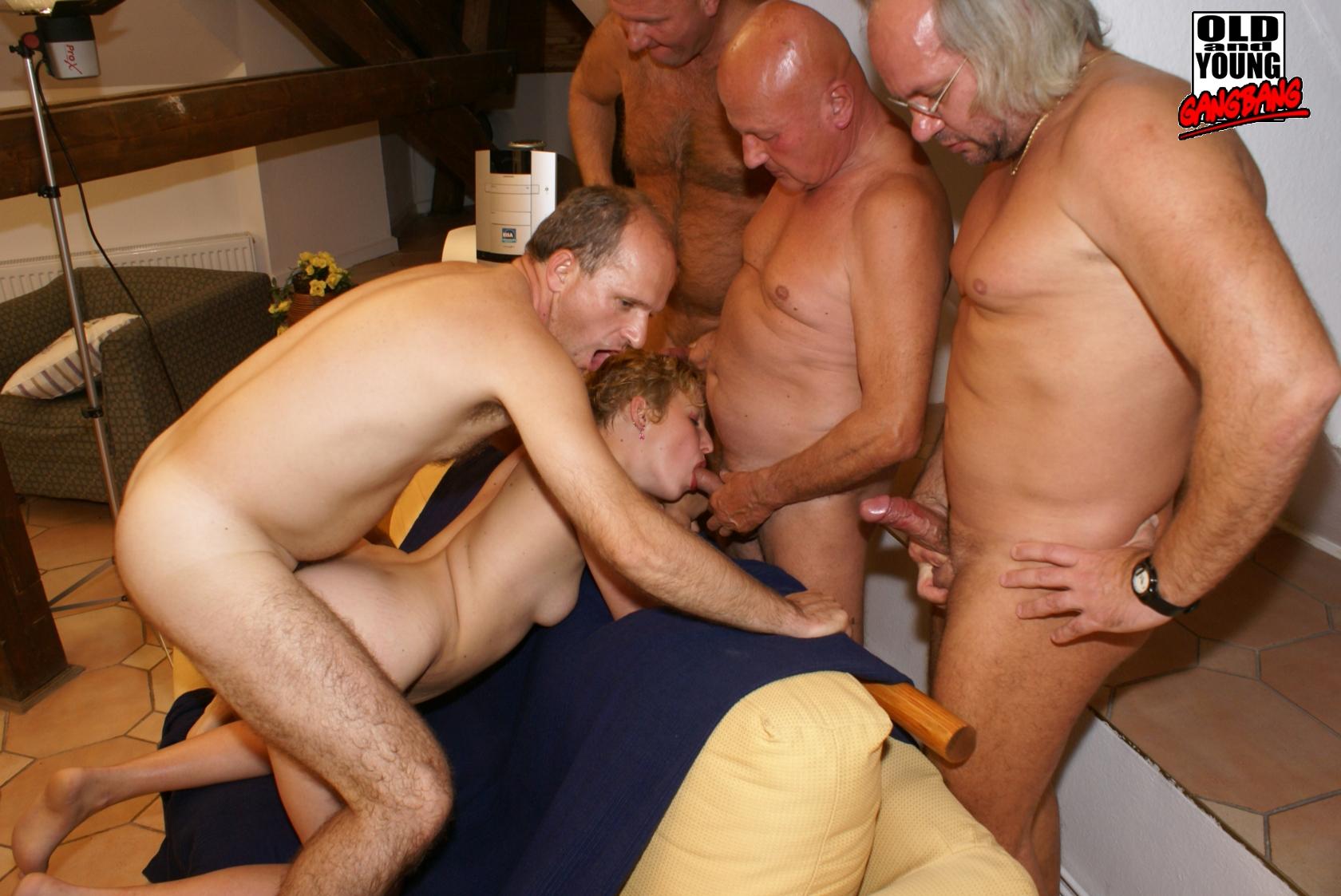 Смотреть Порно Геи Старые Ебут Молодых