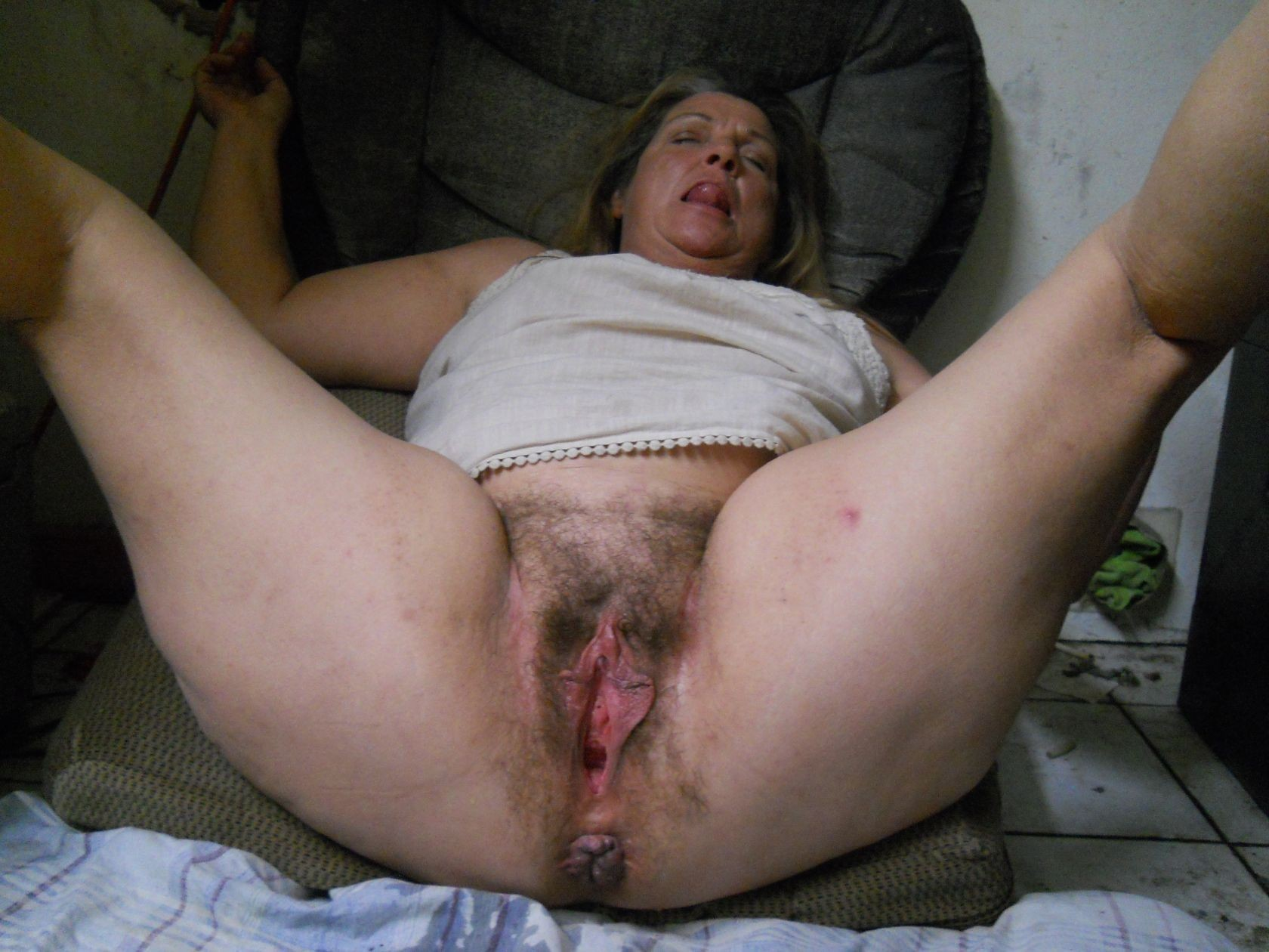 Remarkable amateur mature hairy pussy ass will