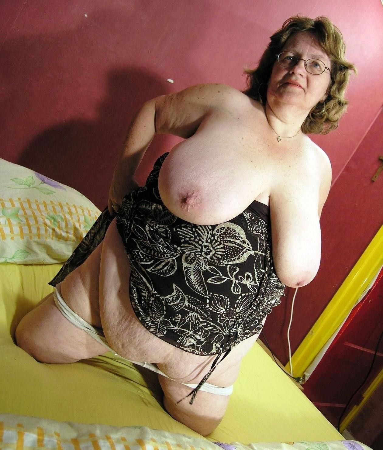Старухи голые онлайн 10 фотография