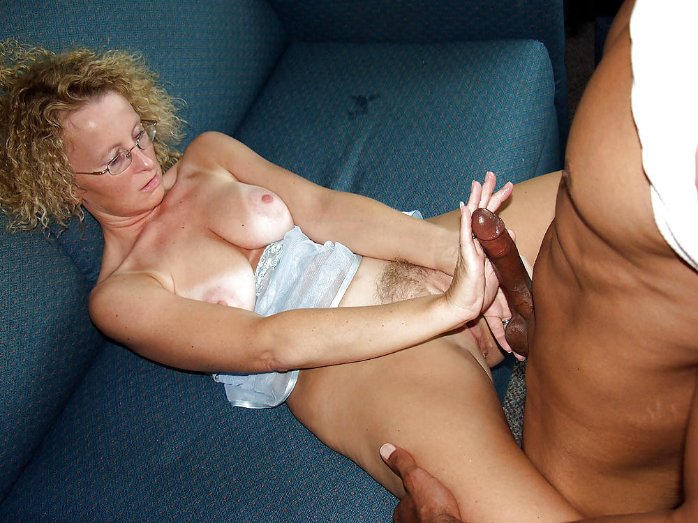 Mature horny aunts seducing nephews