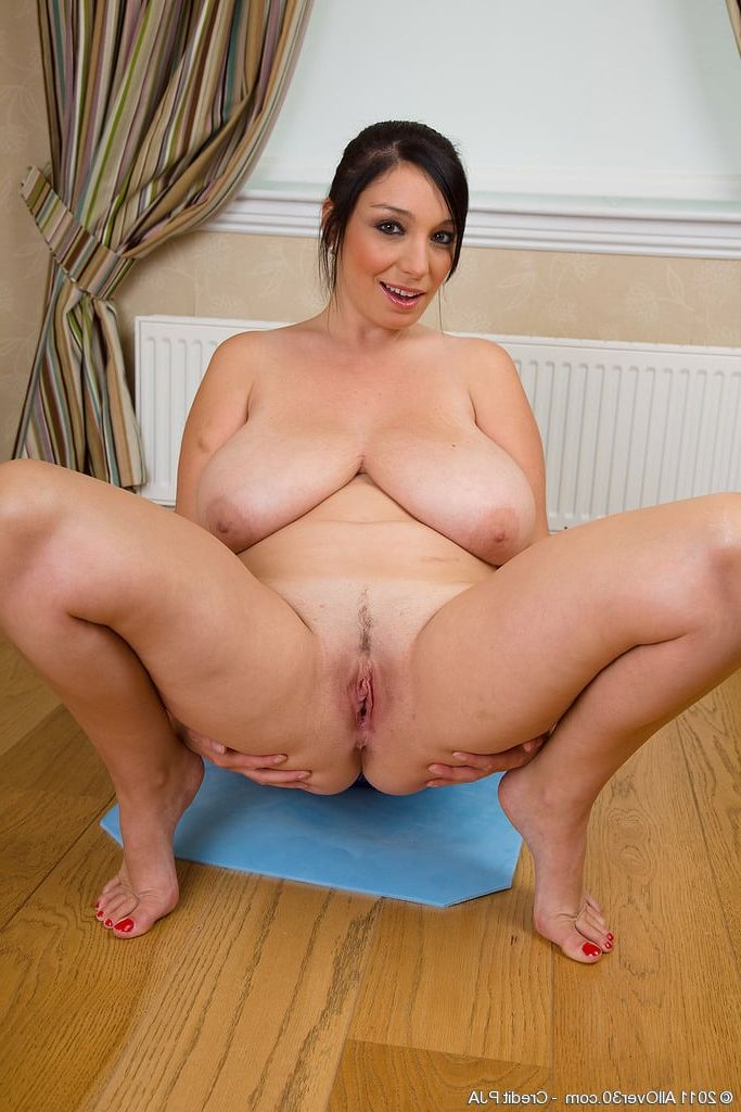Brunette slut wife milf