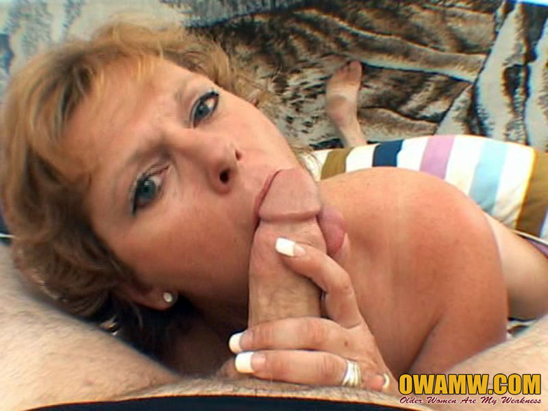 Mature women sucking dick pictures