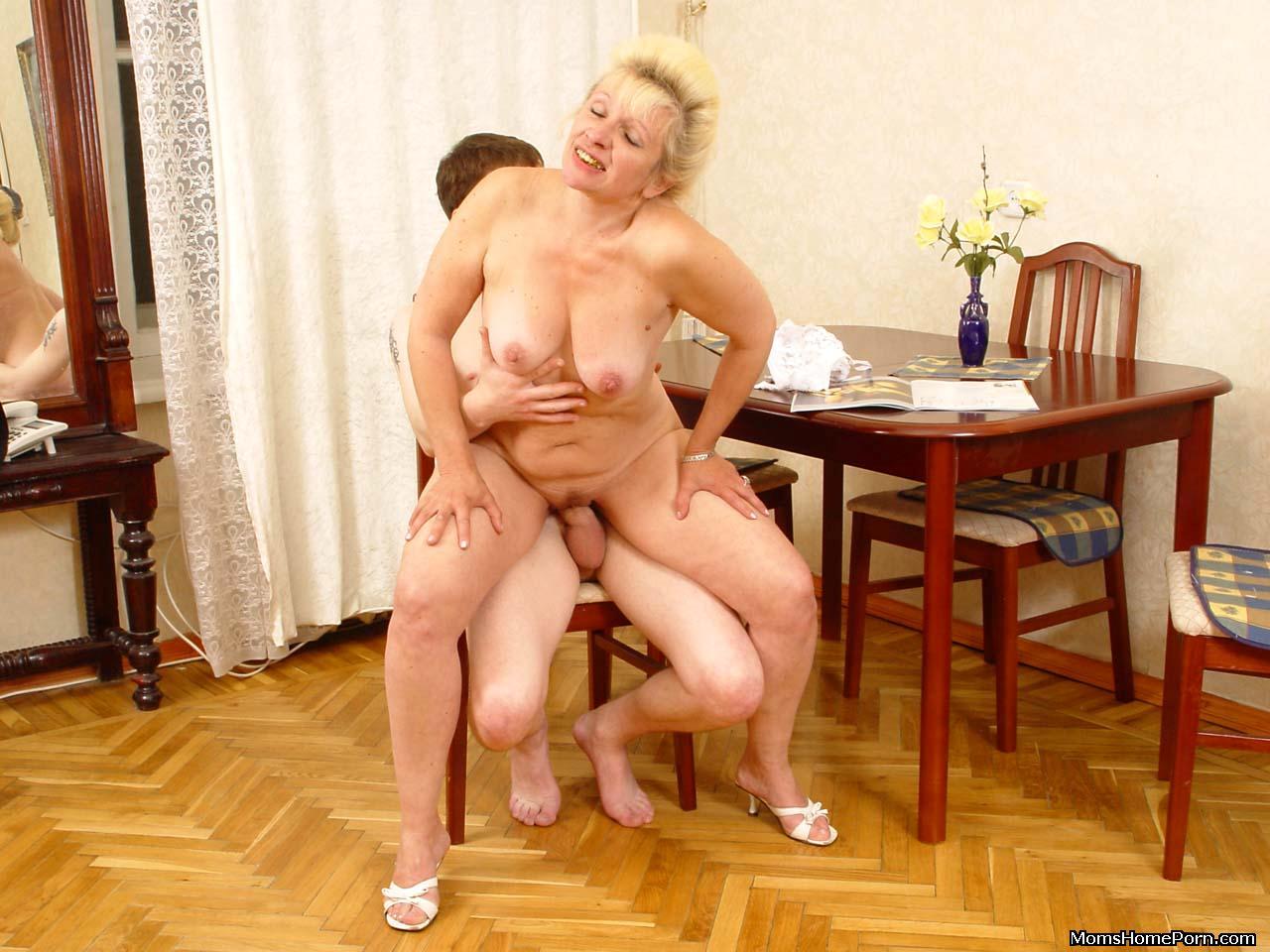 seks-foto-pozhilih-zhen