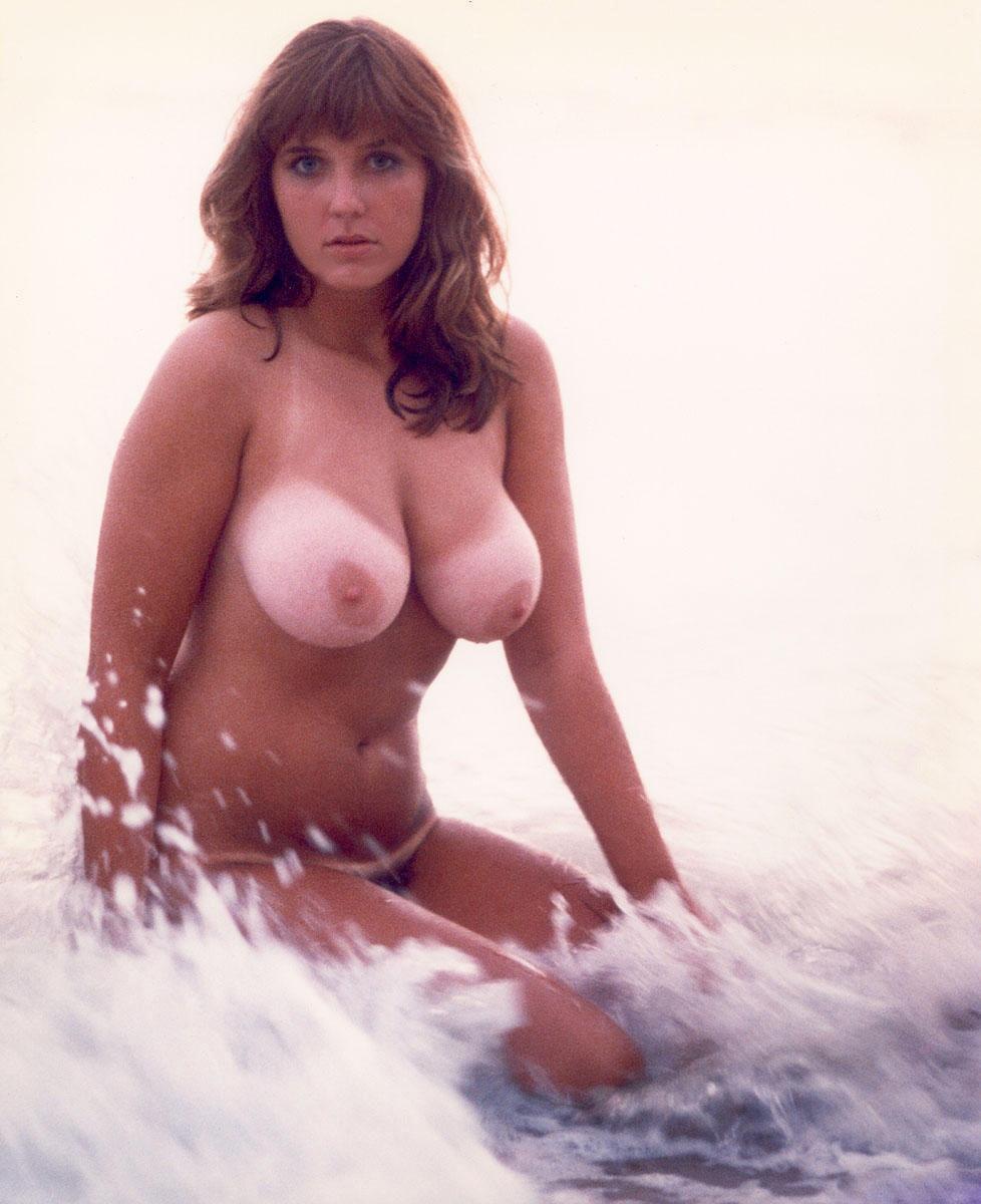 Сексуальные большие груди ретро фото 23 фотография