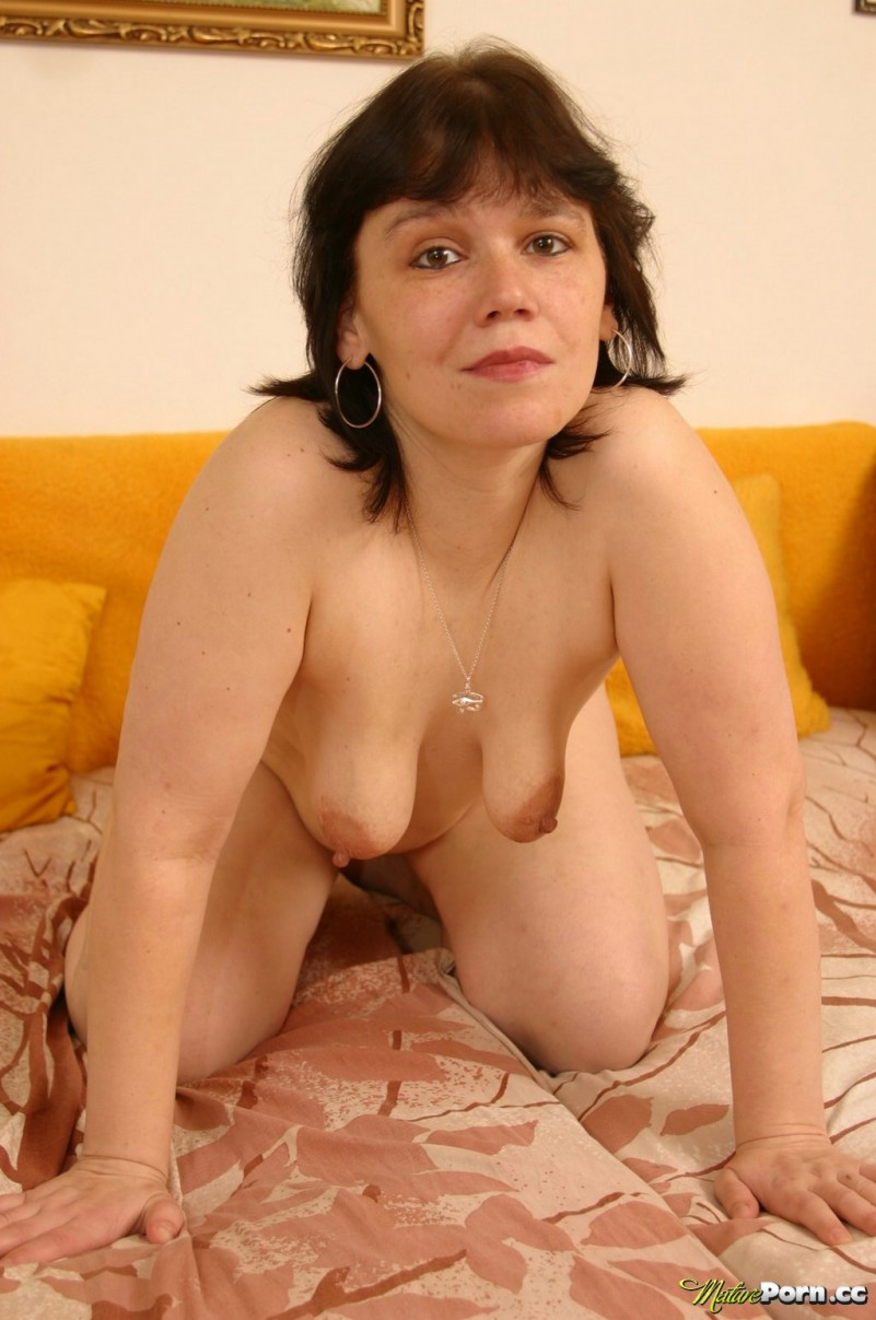 Older Woman Gallery 119