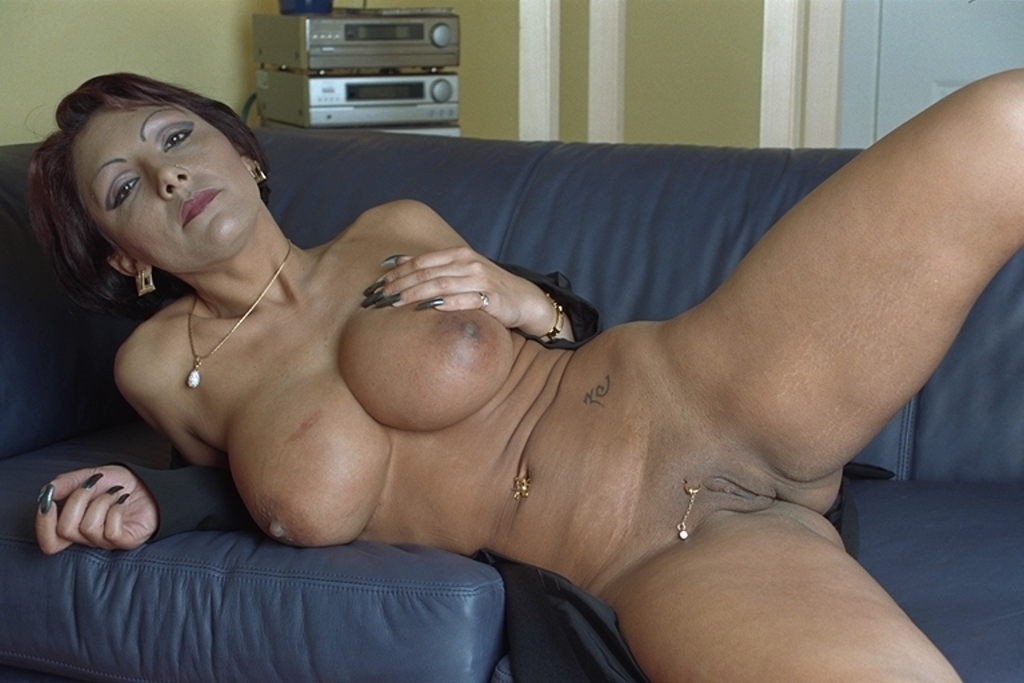 Big Tits German Mature Hd