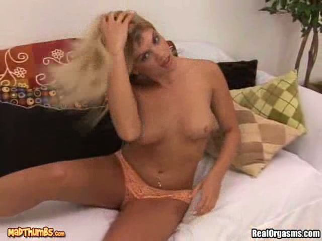goldie porn pussy hot sweet goldie toying user locks