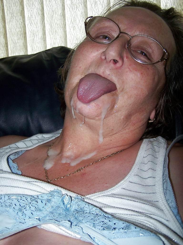 Сперма на лице у старушки 12 фотография