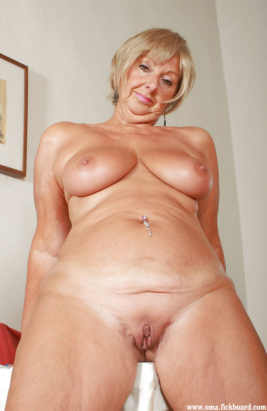 Horny dildo grannies wanting a date