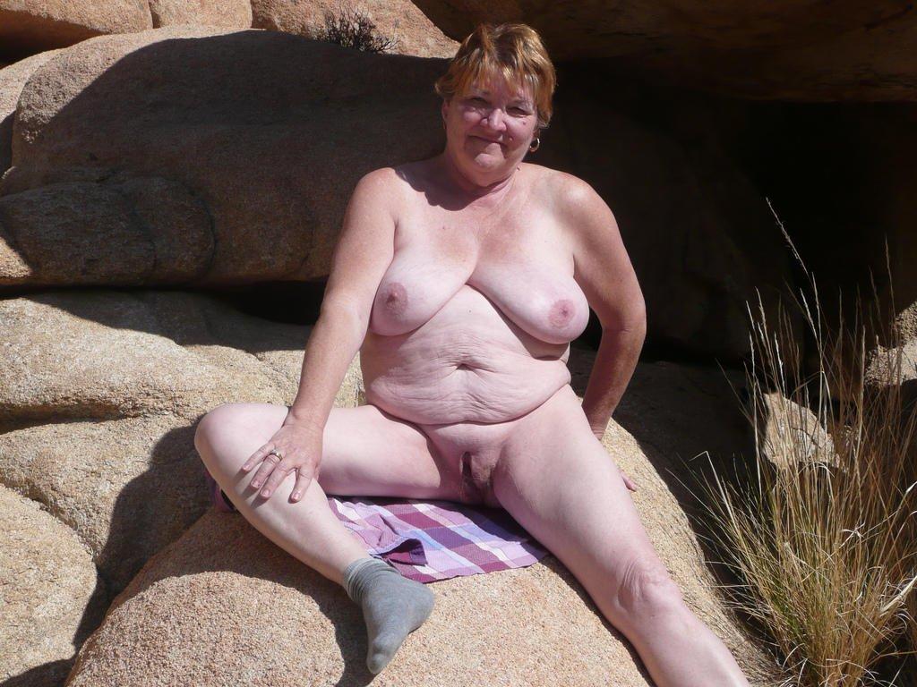 Free latina nude pic