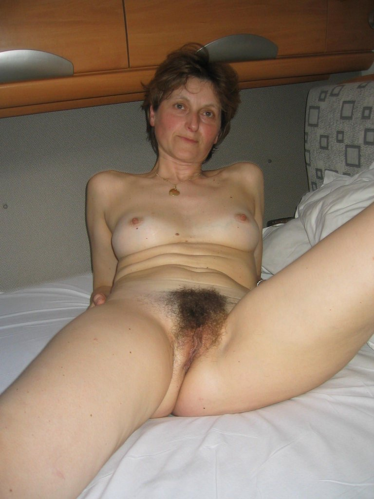 Hairy Mature Nude 41