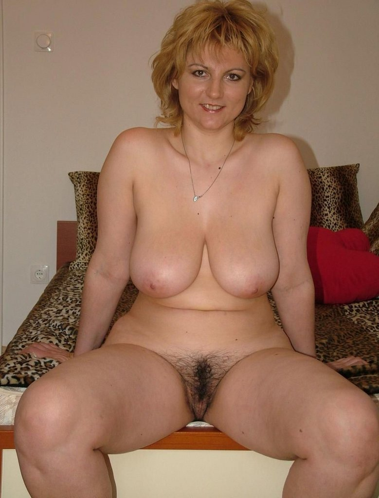 Naked Mature Pussies 24