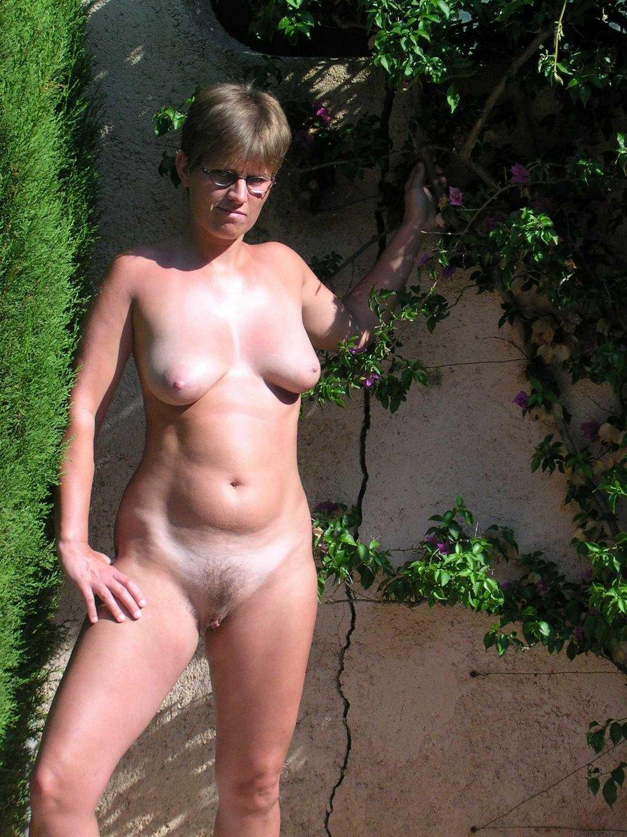 Free Outdoor Nudist Pictures 43
