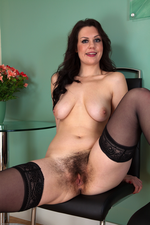 Hairy mom porno
