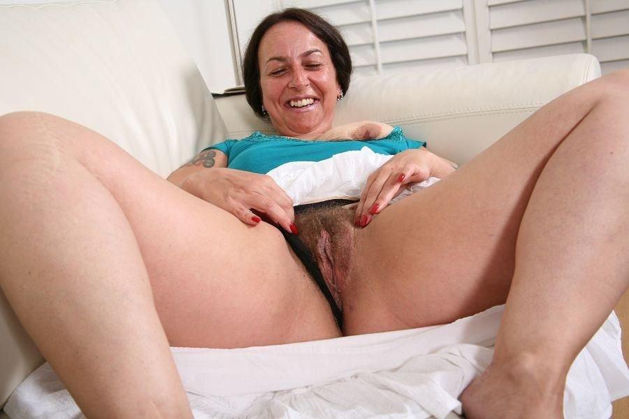 http://www.older-mature.net/media/images/1/hairy-older-women-porn/hairy-older-women-porn-74656.jpg