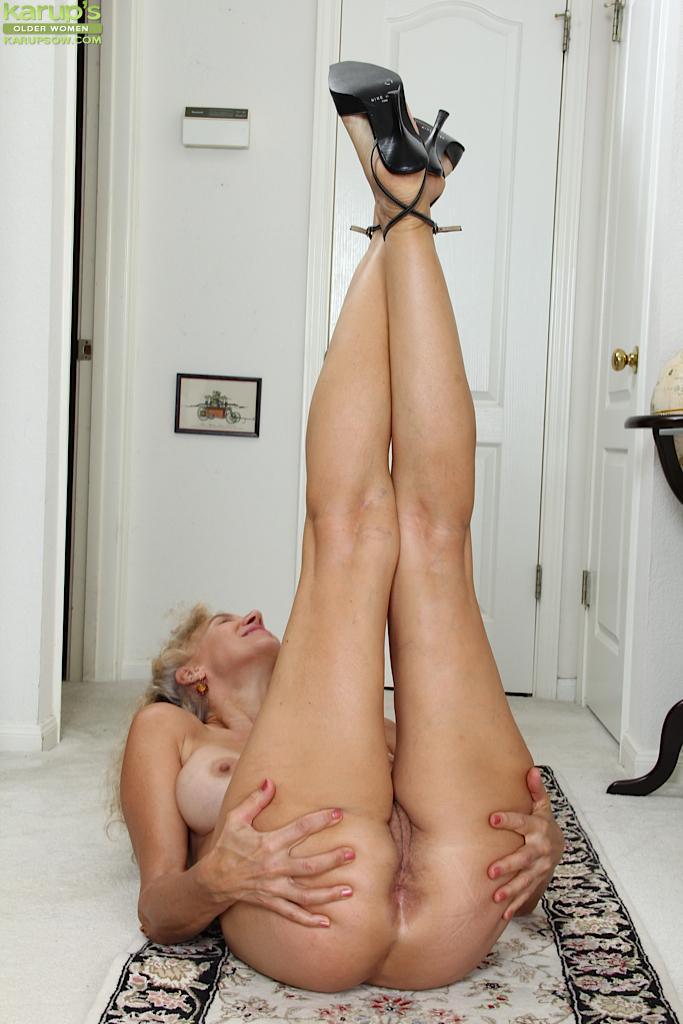 femme mure poilue ejaculation