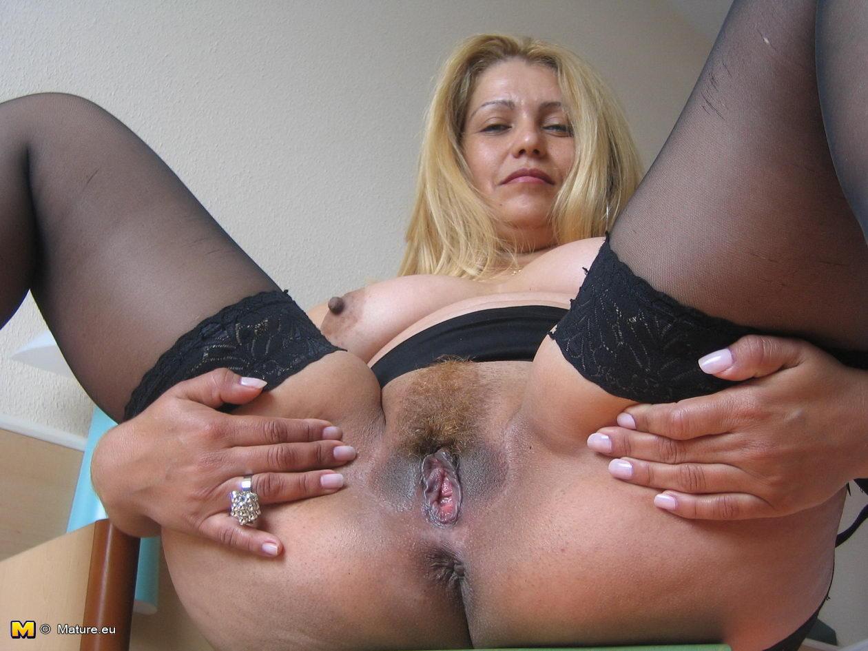 Hardcore Mature Sex Pics