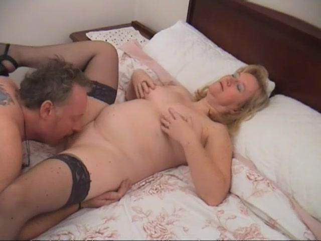 sex male female with no bra
