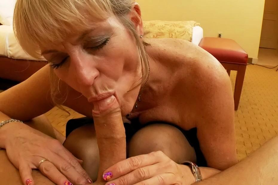 Gorgeous sight free mature hadcore movies looking