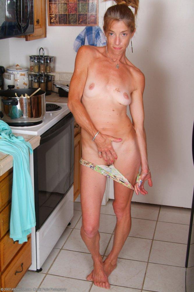 Голые худые дамы фото 14784 фотография