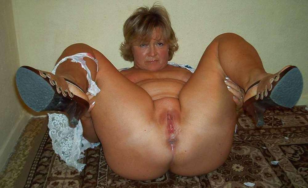 Horny Older Woman Porn Pics Older Women Fucking Horny Hun: www.older-mature.net/horny-older-woman-porn/236732.html