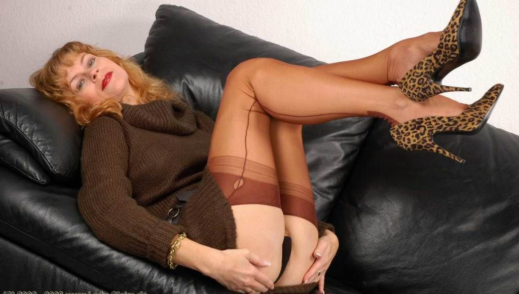 Elegant woman mature pantyhose sex
