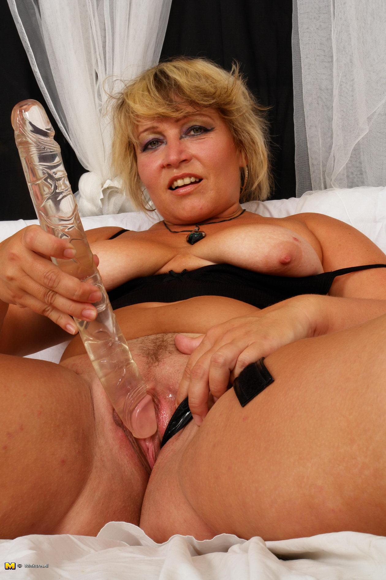 Mature erotic live