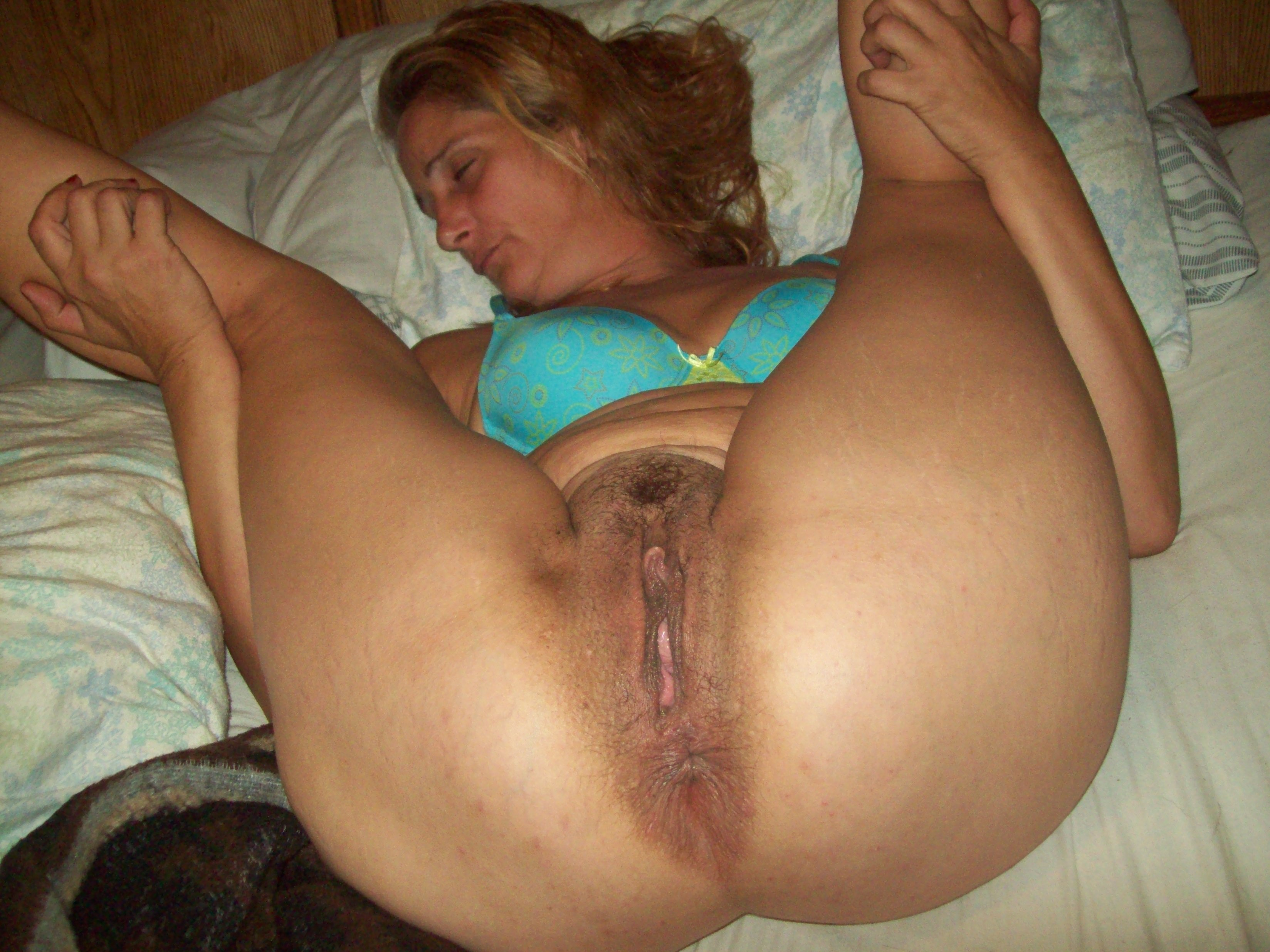 Milf riding dick